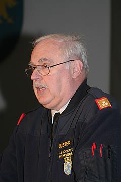 Landesbranddirektor-Stellvertreter Ing. Herbert Schanda, er scheidet am 31. März 2006 altersbedingt aus der Funktion, zeigte in seinem Rückblick die ... - IMG_1897
